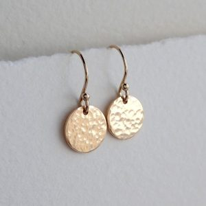 hammered gold disc earrings swje124