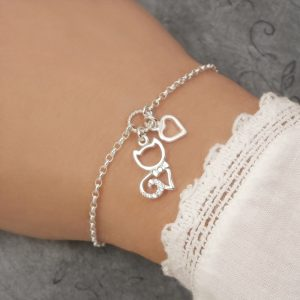silver cat bracelet with heart charm swj249