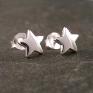 silver star stud earrings 7mm swj89