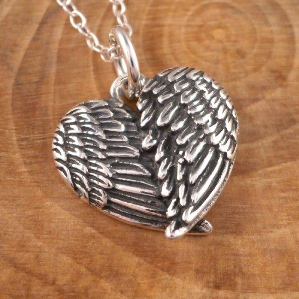 sterling silver angel wings heart necklace swj28