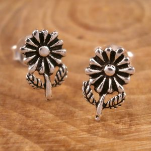 silver daisy earrings s86
