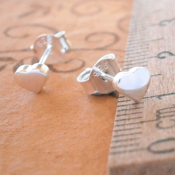sterling silver tiny heart stud earrings swj32 2